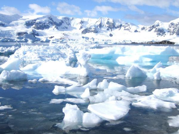 Iceberg Flow during Trip to the Antarctic Peninsula