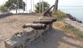 Cannons on Kunta Kinteh