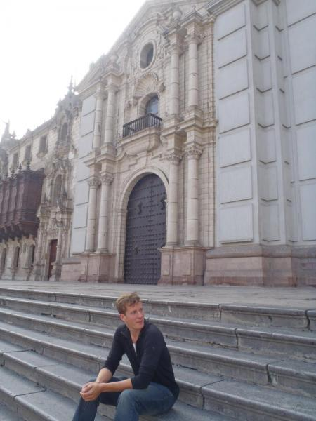 Tom outside of Cathedral de Santo Domingo