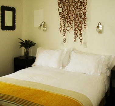 Each room offers guests a private bath and numerous amenities