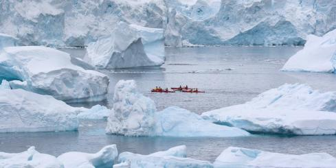 Kayak in unforgettable landscapes