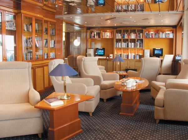 Spacious public spaces to enjoy the ships fine amenities