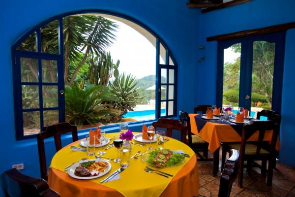 Enjoy delicious local and classic cuisine in the dining room at Mantaraya Lodge