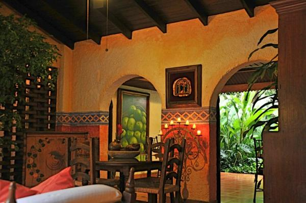 Hotel Casa Naranja features local artistry