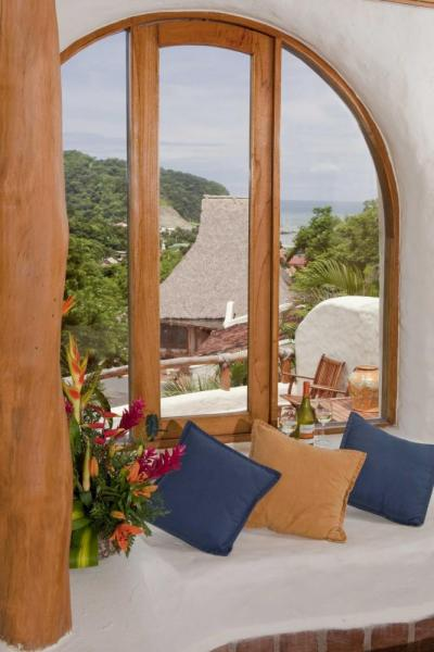 Experience the finest of San Juan del Sur from Pelican Eyes Resort