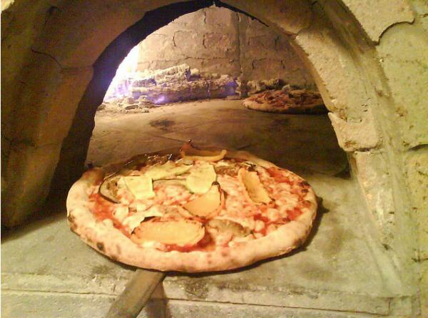 Wood fired pizza, the kitchen specialty