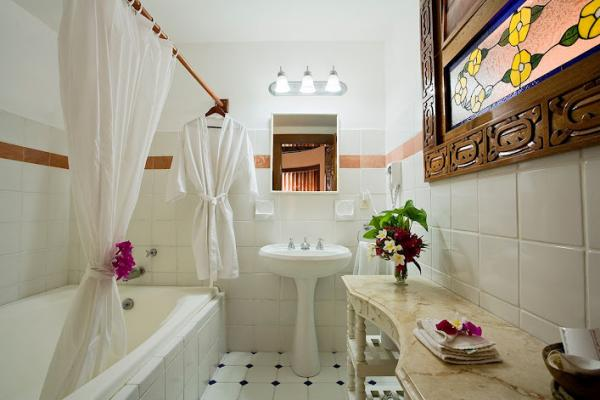 Modern private bath facilities in each room