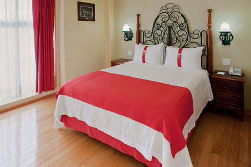 Guest rooms offer a comfortable stay