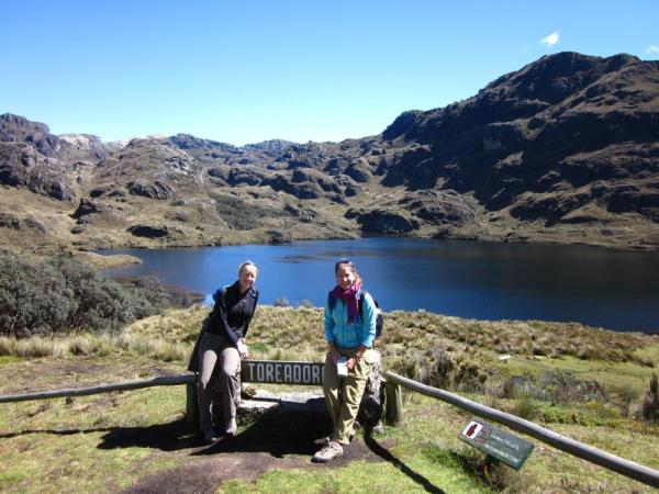 Julie and Laura taking a rest in Cajas National Park