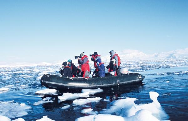 Cruising the arctic waters in the Zodiac