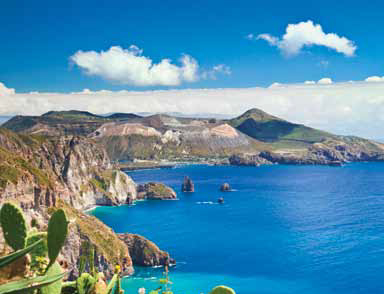 Cruise the Aeolian archipelago