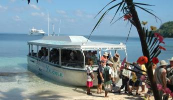 Access the shore aboard the specially designed expedition vessel Xplorer