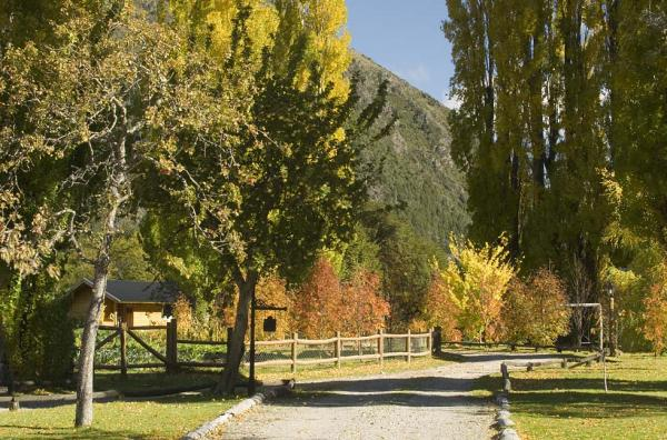 Visit the Bariloche area with a stay at Estancia Peuma Hue