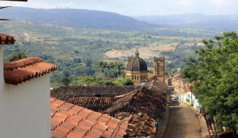 Exploring Barichara on a Colombia tour