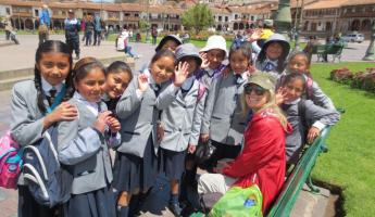 Local children from Cusco