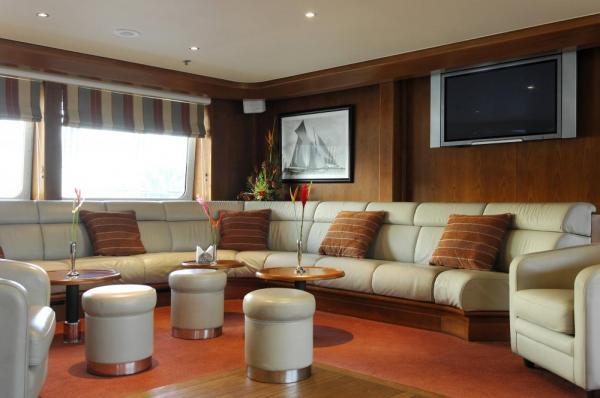 Lounge on the Le Ponant.