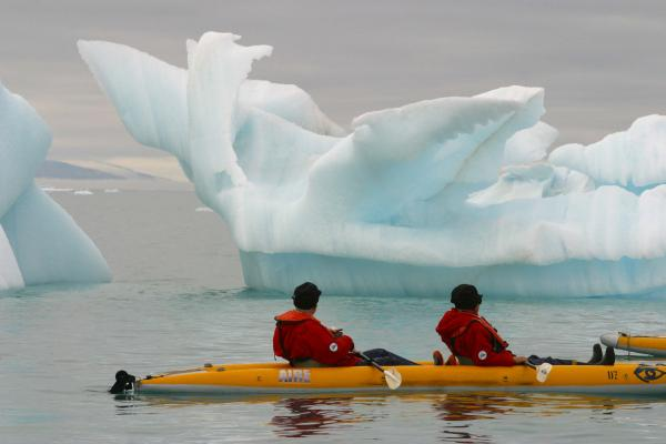 Sea Kayaking. National Geographic Explorer.
