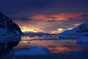 Lingering sunsets in Antarctica