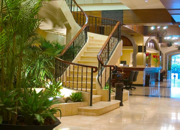 Feel Hotel Presidente\'s natural elegance as soon as you step into the lobby
