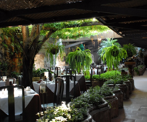 Enjoy creative cuisine at El Refectorio del Prior Restaurant