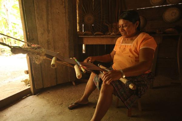 Kekchi weaving. The Living Maya Experience