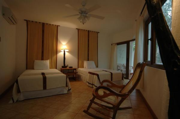 Cozy room with balcony at Villa Maya