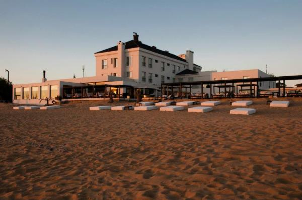 Serena Hotel is the only beachfront hotel in Punta del Este