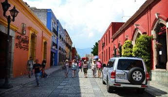 Stroll trough the colorful streets of Oaxaca