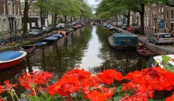 Wander along the canals of Amsterdam on your luxury river cruise