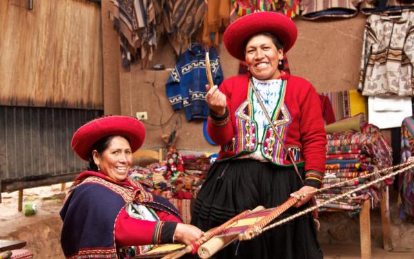 Peruvian traditional weavers