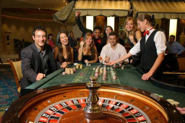 Experience the excitement of Iguazu Grand's casino