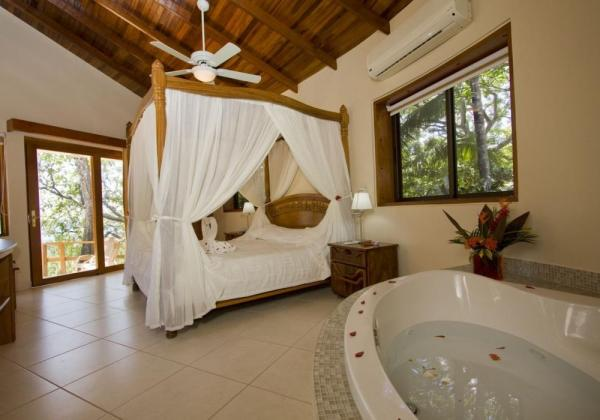 The luxurious Tropical Suite