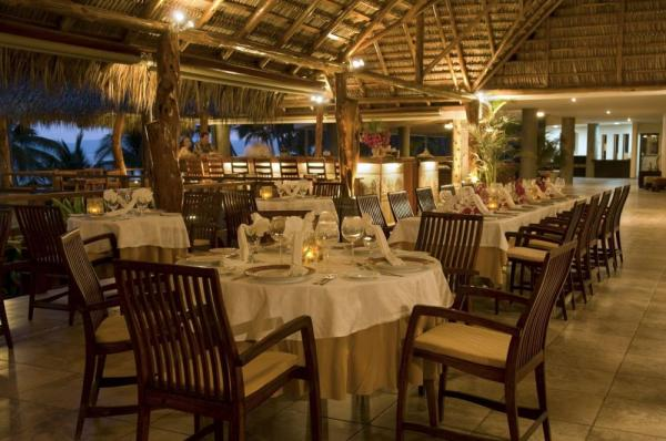 Romantic and relaxed dining
