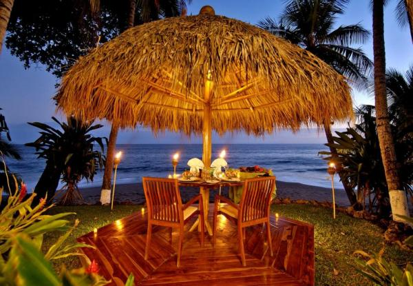 Beachside dining experiences