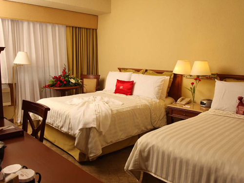 A cozy double room at the Crowne Plaza Guatemala City