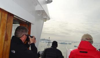 Even the captain photographs the Ilulissat icebergs