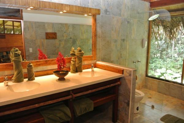 A luxurious bathroom at Sacha Lodge