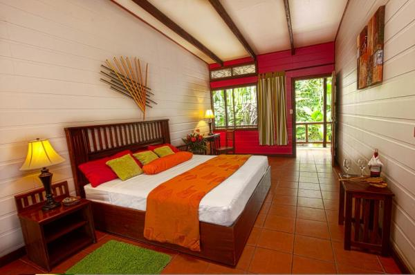 Modern and spacious suites at Pachira Lodge