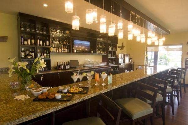 Hilton Garden Inn's bar features varied selections