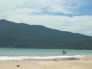 The golden beaches of Ilha Grande