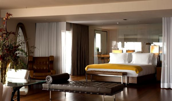 A luxurious suite at Hotel Fasano Al Mare