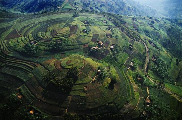 Enjoy the beautiful landscape of Uganda