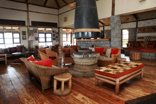 Virunga Lodge living room