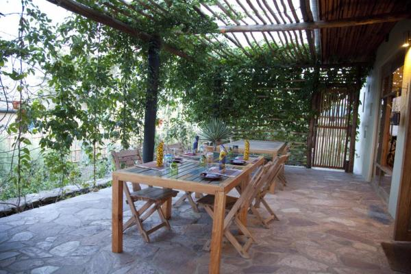 Kyambura Gorge Lodge: Lounge Terrace
