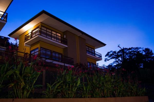 Ficus Sunset Suites at night