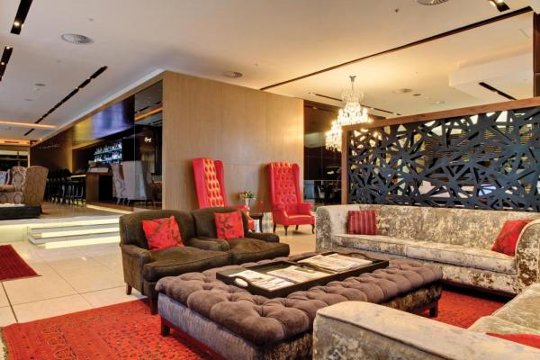 Relax and enjoy a drink at the Pepper Club Luxury Hotel and Spa