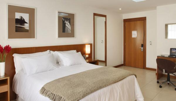 Relax in your deluxe suite at Mar Ipanema