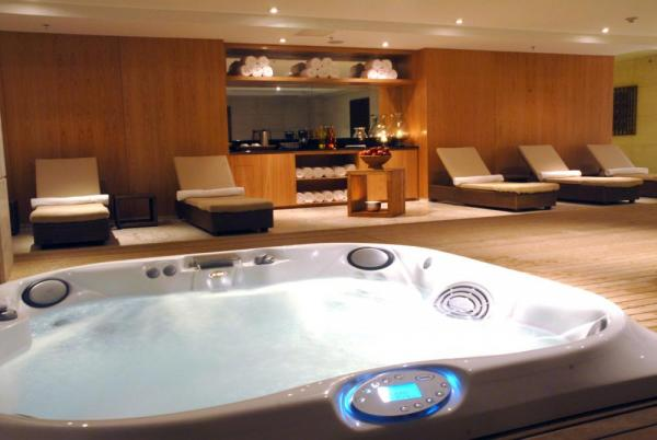 Relax in the spa at Windsor Atlantica