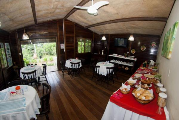 Enjoy fine dining at Pousada Lenda das Aguas
