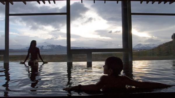 Enjoy the views of Patagonia from Remota's infinity pool